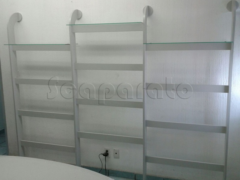 modular retail wall display